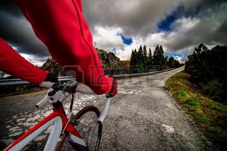 Anatomía de un ciclista: 10 ejercicios para volar dando pedales ...